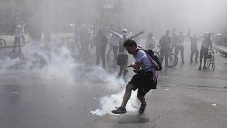 Απόλυτο χάος στη Χιλή: 11 νεκροί από τις ταραχές – Τρίτη νύχτα απαγόρευσης κυκλοφορίας