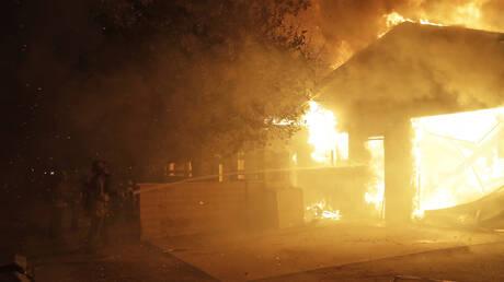 Εκτός ελέγχου οι φωτιές στην Καλιφόρνια: 50.000 άνθρωποι εγκαταλείπουν τα σπίτια τους (pics&vid)