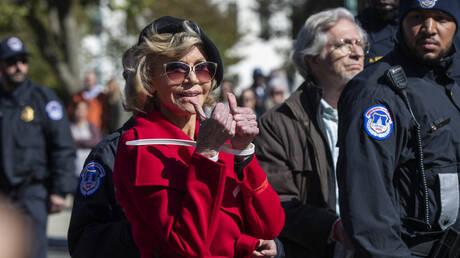 Η Τζέιν Φόντα συνελήφθη ξανά (pics)