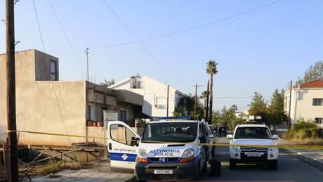Κύπρος: Ύποπτες βαλίτσες έξω από το σπίτι του serial killer, Νίκου Μεταξά (pics&vid)