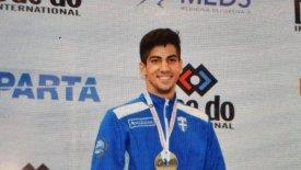 Πρωταθλητής κόσμου στο Καράτε ο Στέφανος Ξένος!