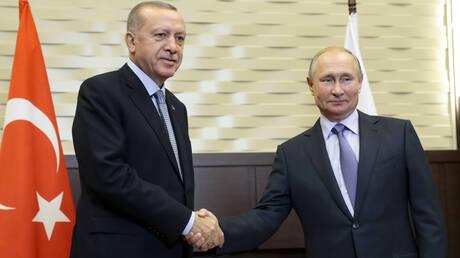 Σε εξέλιξη η συνάντηση Πούτιν – Ερντογάν