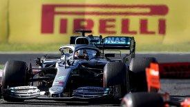 Χάμιλτον: «Καμία ελπίδα να φτάσουμε τη Ferrari στις ευθείες»