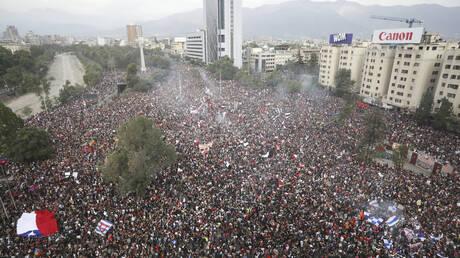 Χιλή: Περισσότεροι από ένα εκατομμύριο διαδηλωτές κατέκλυσαν τους δρόμους του Σαντιάγο