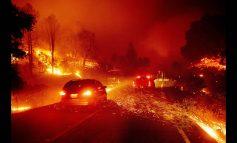 Καλιφόρνια: Μαίνεται ανεξέλεγκτη η φωτιά - Υποχρεωτικές εκκενώσεις εκατοντάδων σπιτιών