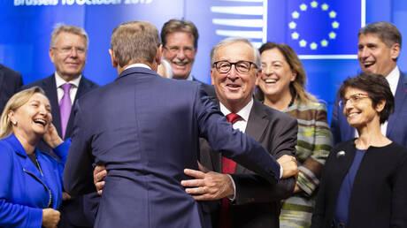 Brexit: Σχεδόν έτοιμη μια συμφωνία μεταξύ ΕΕ – Βρετανίας – Εν αναμονή τού «OK» του Λονδίνου