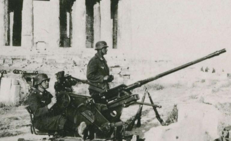 Ο αστός ήρωας με τις δαμασκηνιές στην Εκάλη. Γράφει ο Κώστας Γιαννακίδης