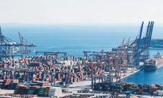 Ρεσάλτο των Αρχών σε εταιρείες ρυμουλκών στον Πειραιά - Σε εξέλιξη η επιχείρηση