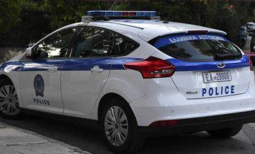 Τρόμος για 25χρονη στο Φάληρο – Την έβγαλαν από το αυτοκίνητό της και το έκλεψαν