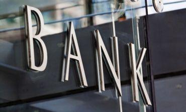 Νέες χρεώσεις από τις τράπεζες στις χρεωστικές κάρτες: Έως 6 ευρώ η έκδοση κωδικού