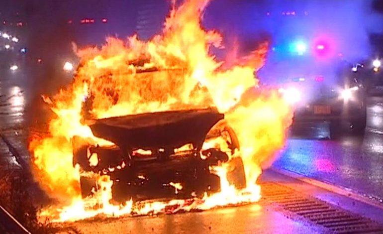Θεσσαλονίκη: Στις φλόγες δέκα οχήματα τα ξημερώματα