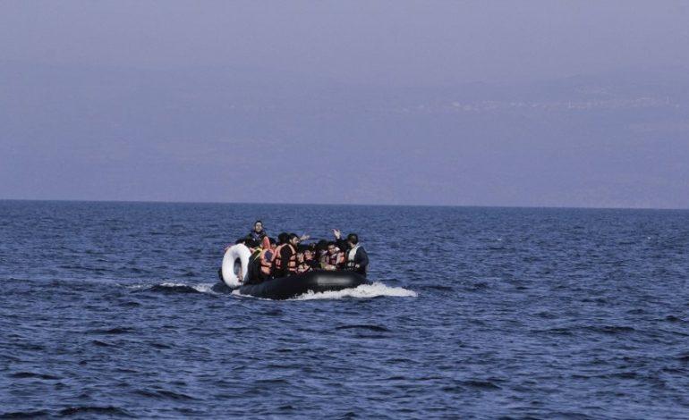 Ιστιοφόρο με περίπου 30 μετανάστες και πρόσφυγες εντοπίστηκε βορειοδυτικά των Ψαρών
