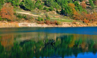 Εκπληκτικό φθινοπωρινό σκηνικό στη λίμνη Τσιβλού