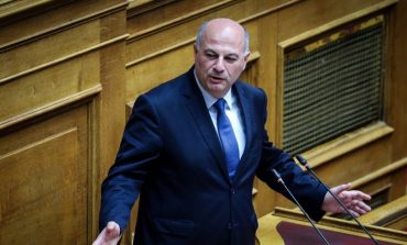 Λαβίδας-Κουτσολιούτσος: Ο ένας στη σκληρή φυλακή, ο άλλος dolce vita – Ένα άρθρο για τον υπουργό Δικαιοσύνης