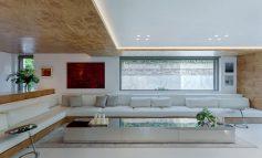 Μία πολυτελής διώροφη κατοικία με μοντέρνα αισθητική στην Κηφισιά