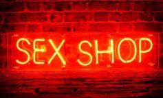 Έκρηξη σε κατάστημα ερωτικών ειδών στο Γκάζι