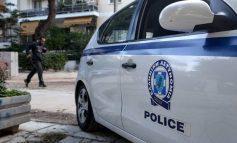 Μπούκαραν με αμάξι σε σούπερ μάρκετ στο Διόνυσο