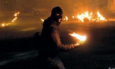 Επίθεση κουκουλοφόρων με μολότοφ εναντίον ΜΑΤ στη Θεσσαλονίκη