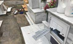 Καβάλα: Άγνωστοι σύλησαν 50 τάφους