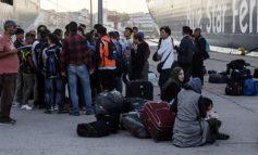 Συνεχίζονται οι αφίξεις λαθρομεταναστών στον Πειραιά από τα νησιά του ανατολικού Αιγαίου