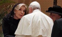 Η συνάντηση της Μαριάννας Βαρδινογιάννη με τον Πάπα στο Βατικανό