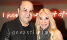 Μάρκος Σεφερλής - Έλενα Τσαβαλιά: Σπάνια βραδινή έξοδος στο θέατρο