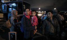 Στον Πειραιά 155 πρόσφυγες και μετανάστες