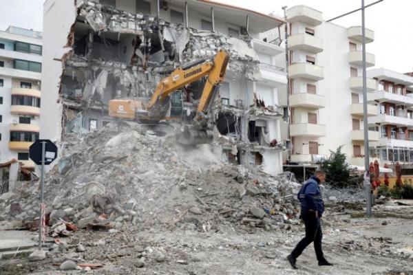 Αλβανία : Μετράει τις πληγές της ενώ η Γη σείεται ακόμα