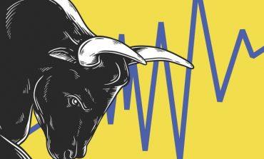 Επιμένει στα ρεκόρ η Wall Street με μάκρο και εμπόριο στο επίκεντρο