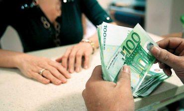 Οι τραπεζικές χρεώσεις ήρθαν για να μείνουν – Τι ετοιμάζουν οι τράπεζες