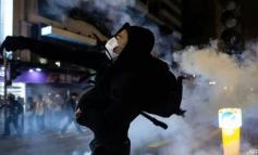 Συνεχίζονται οι διαδηλώσεις στο Χονγκ Κονγκ - «Δεν έχει σημασία αν είναι Χριστούγεννα», λένε οι διαδηλωτές
