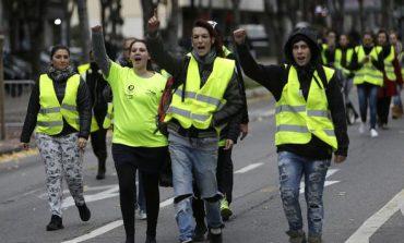Χριστούγεννα με συγκρούσεις και επεισόδια στο Παρίσι