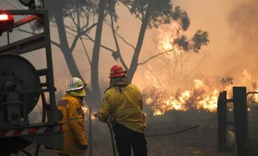 Mαίνονται οι πυρκαγιές στην Αυστραλία - Καταστροφικές συνθήκες για τους πυροσβέστες