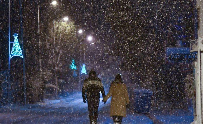 Καιρός: Μαίνεται η «Διδώ» με καταιγίδες σε όλη τη χώρα – Που θα χιονίσει