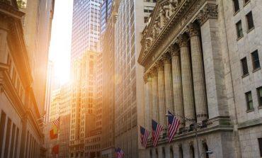 """Με """"άλμα"""" 330 μονάδων άρχισε το 2020 ο Dow Jones"""