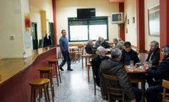 Τον Φεβρουάριο θα ανοίξει το πρώτο καφενείο για καπνιστές στη Λάρισα