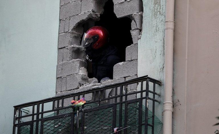 Η Ένωση Αστυνομικών Υπαλλήλων Αθηνών παρίσταται ως πολιτική αγωγή στους τραυματίες της επιχείρησης στο Κουκάκι