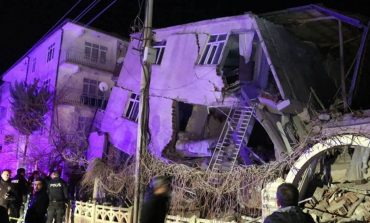 Καταστροφικός ο σεισμός των 6,8 στη ΝΑ Τουρκία