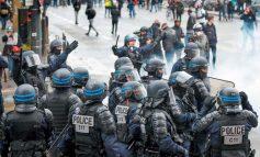 Στα γαλλικά πρότυπα οι κάμερες στα κράνη επικεφαλής των ΜΑΤ