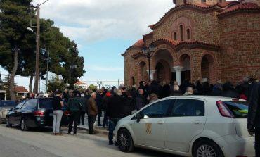 Διόνυσος: Σε κλίμα οδύνης το τελευταίο αντίο στον Παναγιώτη Αγγελίδη