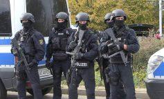 Γερμανία : Νεκρός από πυρά αστυνομικού ένας άνδρας οπλισμένος με μαχαίρι