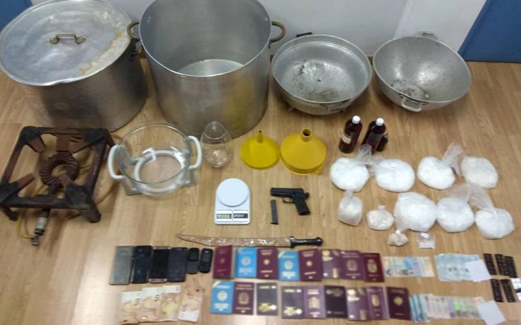 «Κοκαΐνη των φτωχών»: Εργαστήριο του θανατηφόρου Shisha στο κέντρο της Αθήνας