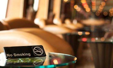 Συγκέντρωση στου Σαλματάνη στην Κηφισιά για τον αντικαπνιστικό