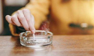Αντικαπνιστικός νόμος: Το πρώτο πρόστιμο σε «Λέσχη Καπνιστών» στην Πλάκα