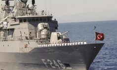 Γαλλικό αεροπλανοφόρο έπιασε επ' αυτοφώρω τουρκική φρεγάτα να μεταφέρει στρατιωτικά οχήματα στη Λιβύη