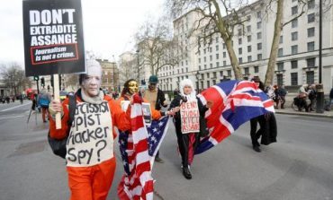Διαδήλωσαν στο Λονδίνο κατά της έκδοσης του Τζούλιαν Ασάνζ