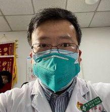 Ο Κινέζος γιατρός Li Wenliang που σήμανε συναγερμό για τον κοροναϊό είναι Ζωντανός