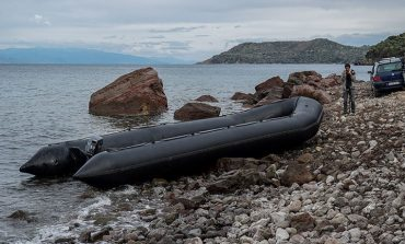 Μυτιλήνη: Με πλαστική βάρκα έφτασαν 27 Αφρικανοί !