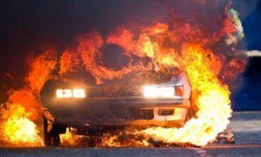 Βαθύ Σάμος: Φωτιά σε αυτοκίνητο μισθωμένο από ΜΚΟ