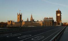 Δραματική αύξηση των νεκρών στη Βρετανία από τον κορονοϊό: Στα 759 τα θύματα της πανδημίας